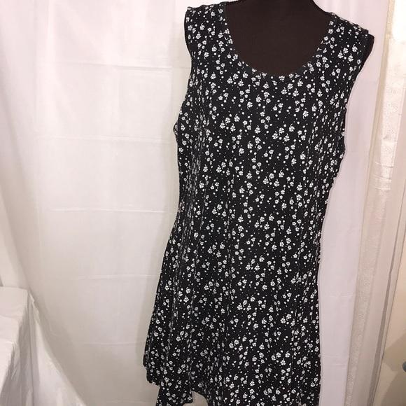 Basic Editions Dresses & Skirts - Women's Dress Size Large Sleeveless